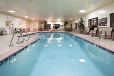 Indoor Pool And Jacuzzi 3 of 10
