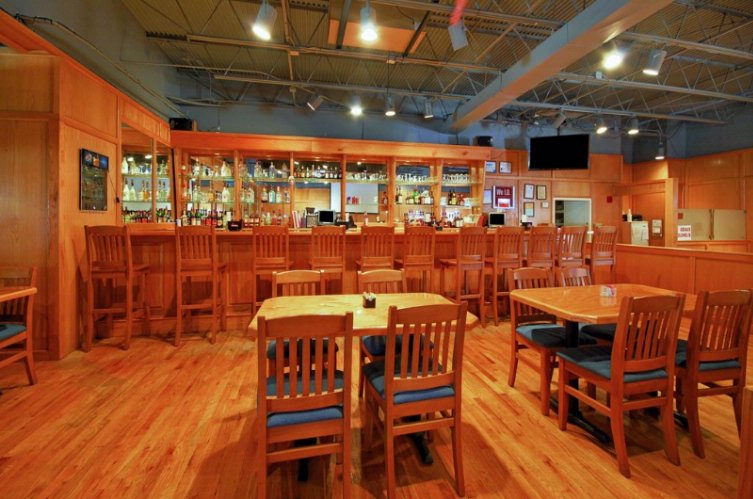 Woody\'s Restaurant & Sport\'s Bar 10 of 15