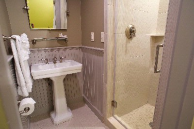 Newly Renovated Prescott Bathroom 4 of 9