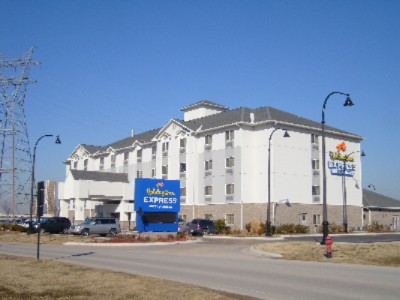 Holiday Inn Express Hotel & Suites Jenks 1 of 9