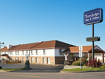 Travelodge Inn & Suites Muscatine 1 of 15