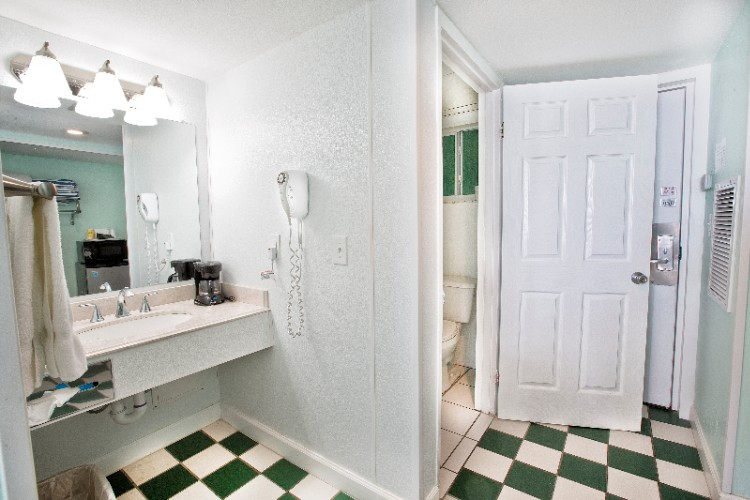 Private Bathroom With Separate Vanity 15 of 31
