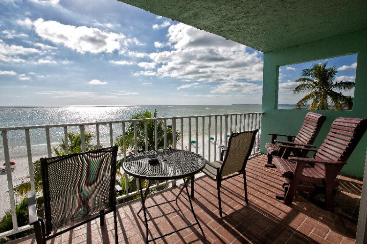 One Bedroom Suite With Extended Beachfront Balcony 25 of 31
