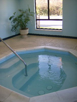 Jacuzzi 4 of 16