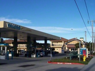 Valero Gas Station Attatched To Hotel 3 of 3