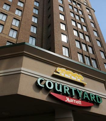 Courtyard Marriott Houston Downtown Sign 3 of 18