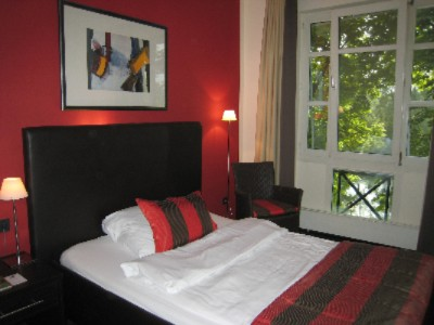 Single Room Ruhrcomfort With River View 3 of 7