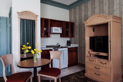 Junior Suite With Kitchenette 3 of 6