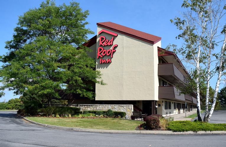 Red Roof Inn Syracuse 1 of 7