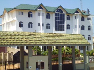 Wadoma Royale Hotel 1 of 6