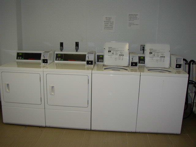 Laundry Facility 7 of 20
