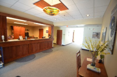 Front Desk 3 of 16
