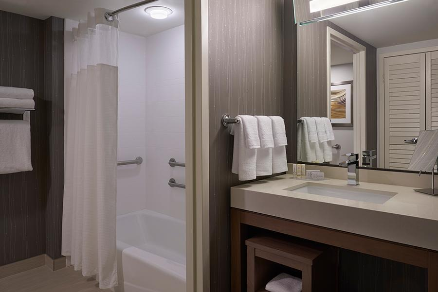 Courtyard Marriott Toronto Airport -Bathroom For Rooms With 2 Queen Beds 17 of 18
