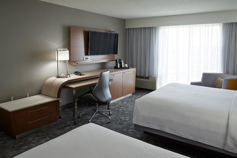 Courtyard Marriott Toronto Airport -Tv Workspace For Rooms With All Guest Rooms 14 of 18