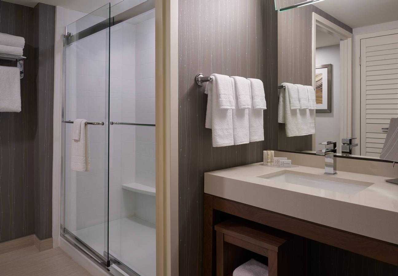 Courtyard Marriott Toronto Airport -Standard King Bedroom Bathroom With Shower 12 of 18