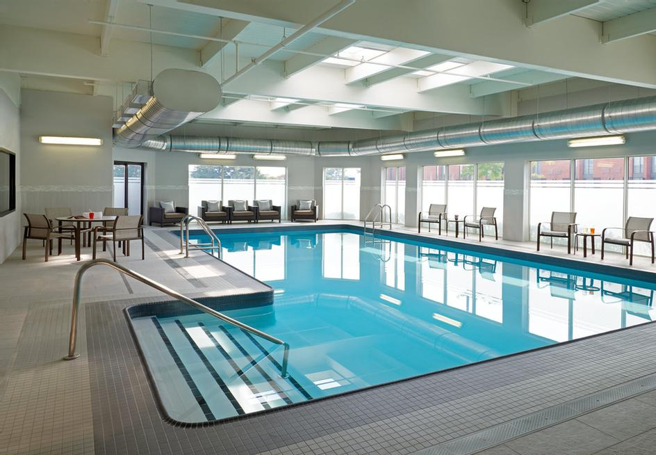 Courtyard Marriott Toronto Airport -Indoor Pool 6 of 18