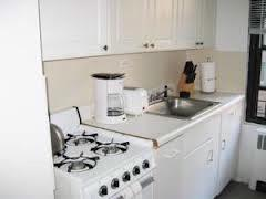 Fully-Equipped Kitchen With Dishwasher 4 of 11
