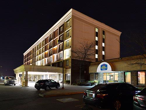 Best Western Plus Toronto Airport Hotel 1 of 12