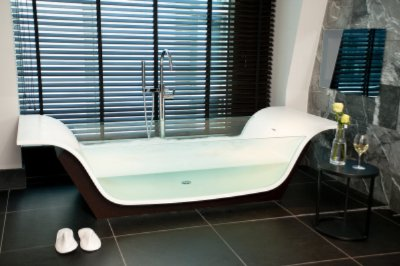 Suite Glass Bath 4 of 16