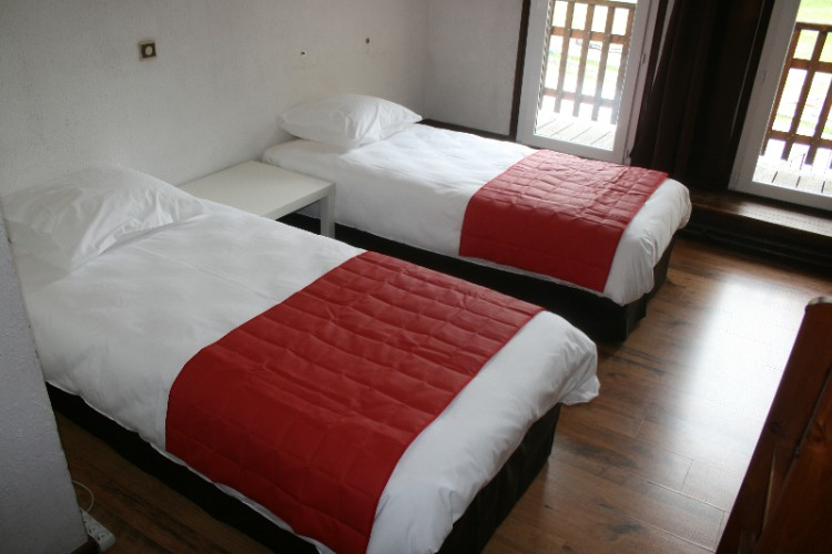 Room With Single Bed 4 of 10