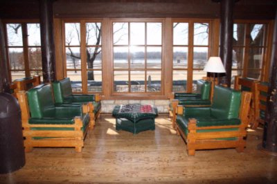 Beautiful Lobby With Views Of The Illinois River 13 of 16