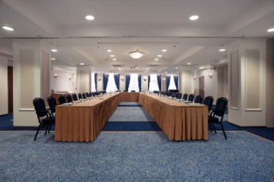 W. Kromhout Meeting Room 7 of 7