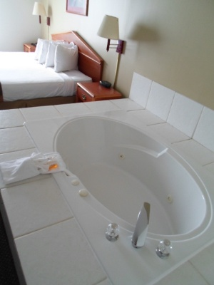 Jacuzzi Rooms 5 of 14