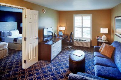 Two Queen Parlor Suite 4 of 5