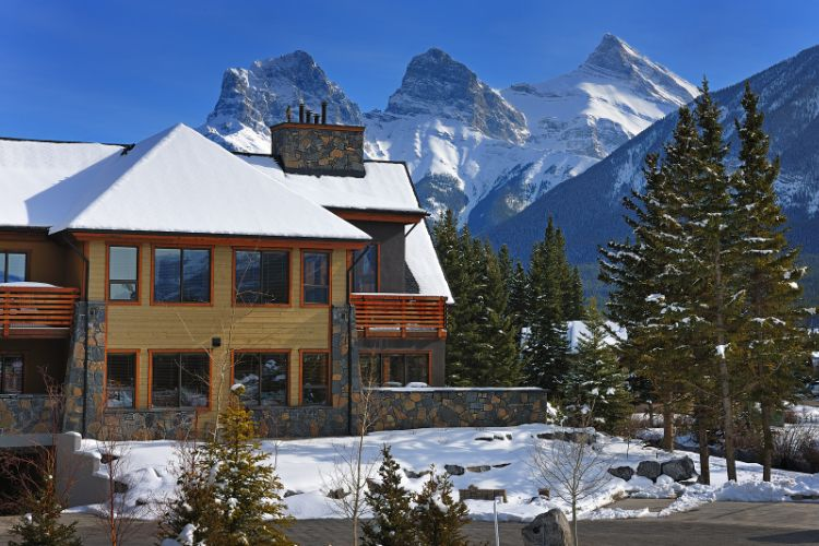 Rundle Cliffs Lodge Winter 3 of 31