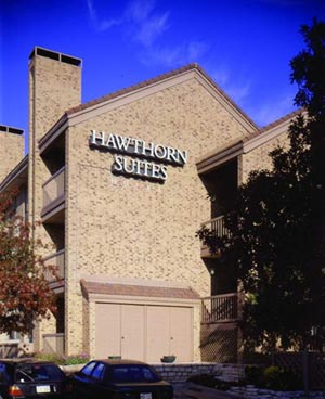 Hawthorn Suites Nw 1 of 4