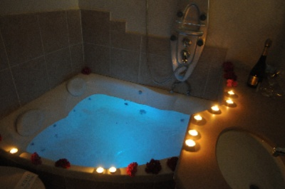 Jacuzzi In The Deluxe Room 3 of 11