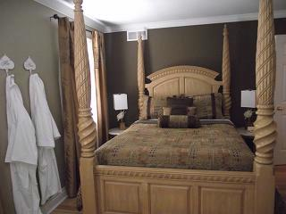 Queen B&b Suite 17 of 23