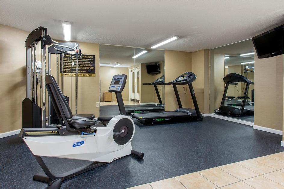 Fitness Center 3 of 14