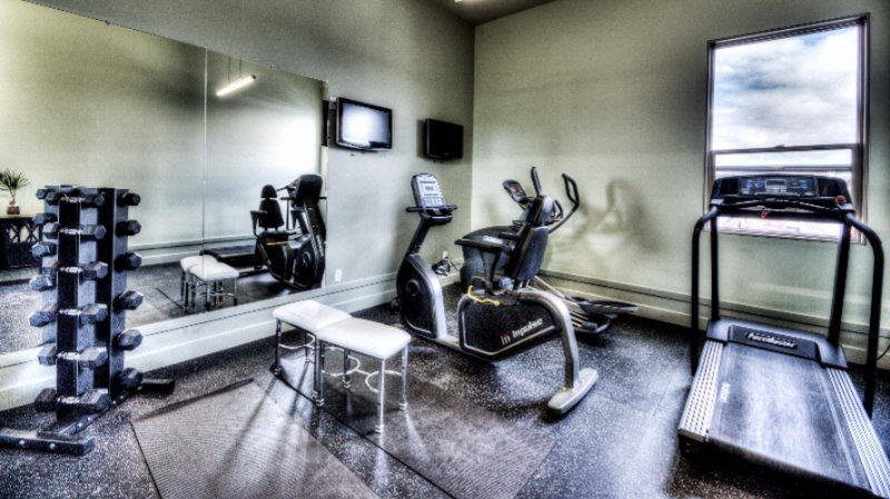 Fitness Room 21 of 22