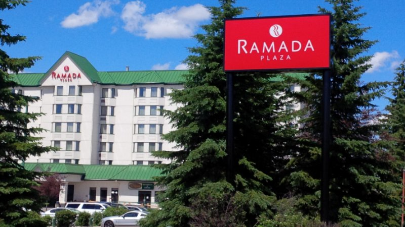 Ramada Plaza Calgary Airport Hotel 1 of 16
