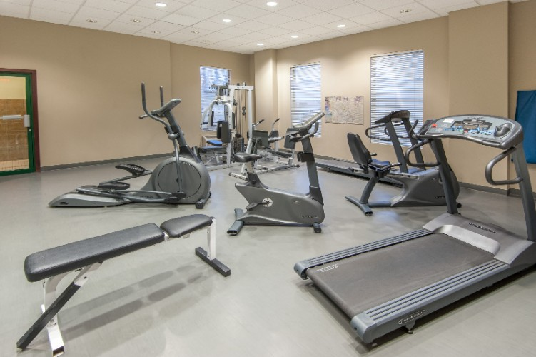 Fitness Room 4 of 16