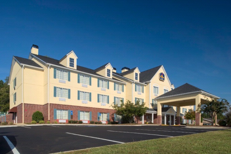 Best Western Plus Lake Lanier Gainesville Hotel & Suites 1 of 11