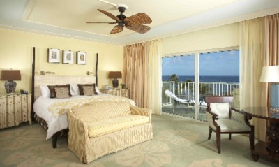 Newly Renovated Ocean Front Room With Lanai 3 of 12