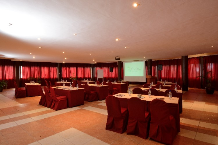 Conference/banquet Room 15 of 18