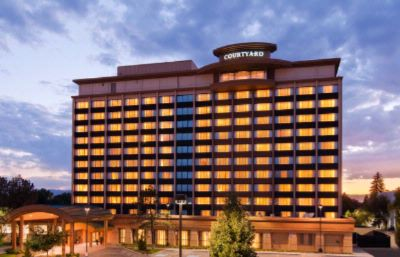 Courtyard by Marriott Denver Cherry Creek 1 of 8
