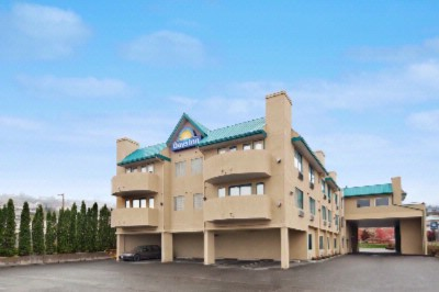 Days Inn Kamloops 1 of 13