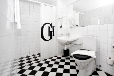 Classically Styled Bathroom 9 of 12