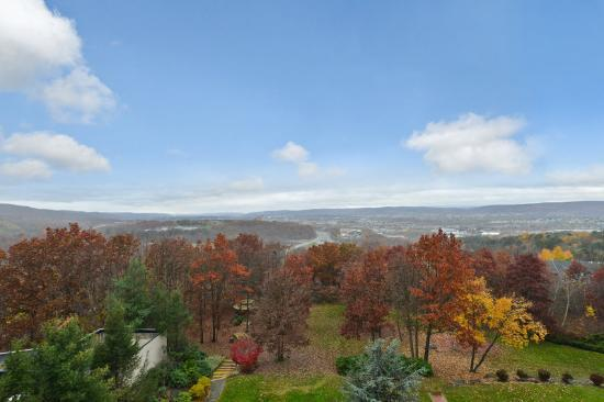 Beautiful Wilkes-Barre Valley 21 of 25