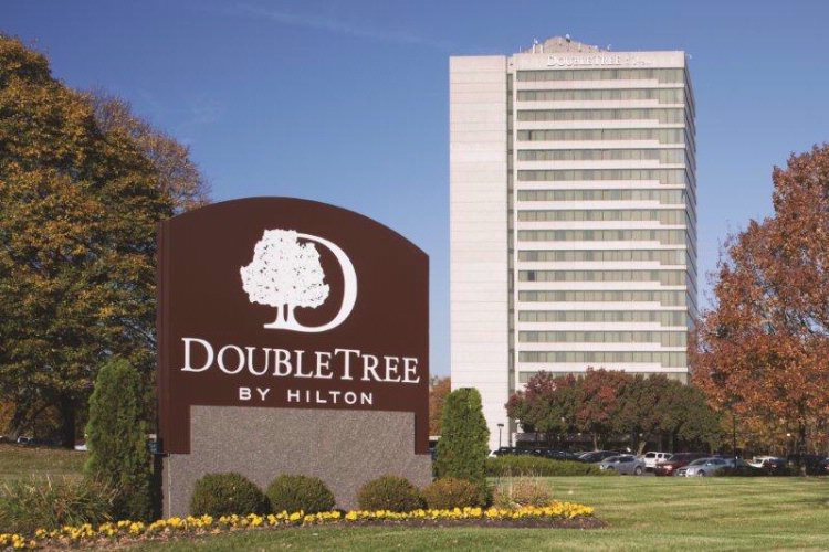 Doubletree by Hilton Kansas City Overland Park 1 of 30