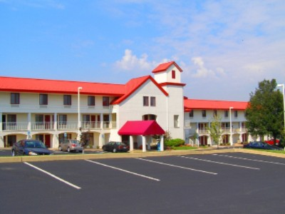 Image of Red Roof Inn & Suites Lancaster