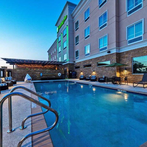 Enjoy Family Fun In Our Outdoor Pool. 27 of 27
