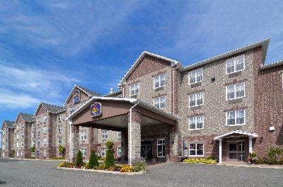 Best Western Plus Fredericton Hotel & Suites 1 of 11