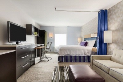 Home2 Suites by Hilton Philadelphia Convention Cen 1 of 9
