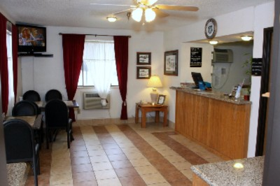 Lobby / Front Desk 4 of 11