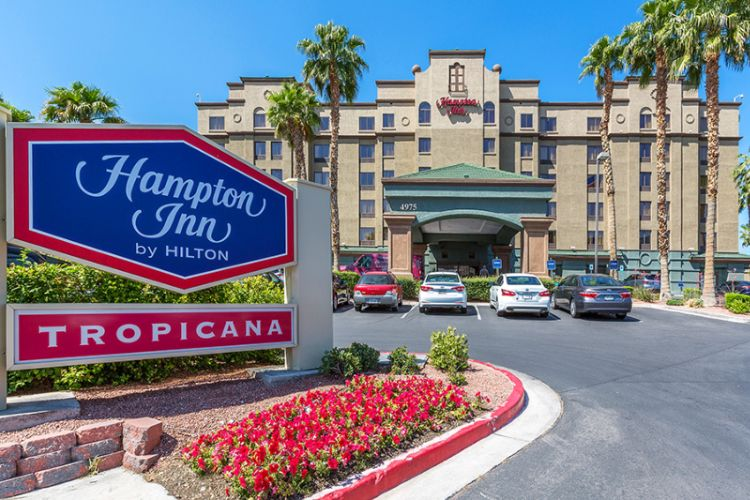 Hampton Inn Tropicana 10 of 14